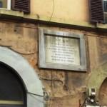 La lapide dove è nata Eleonora Fonseca Pimentel in via di Ripetta